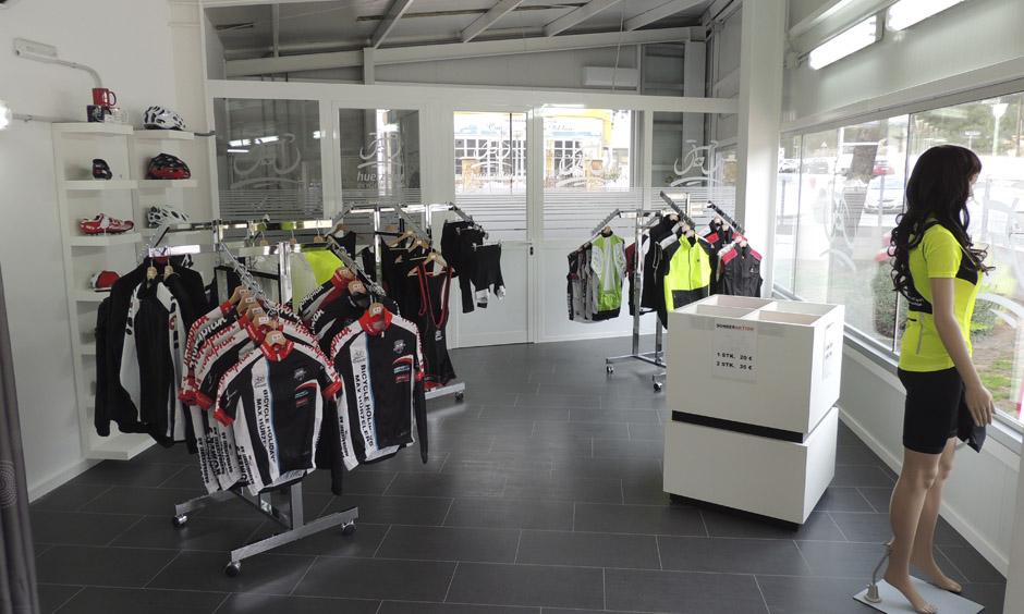 EN Pabisa Hotels Cycling shop