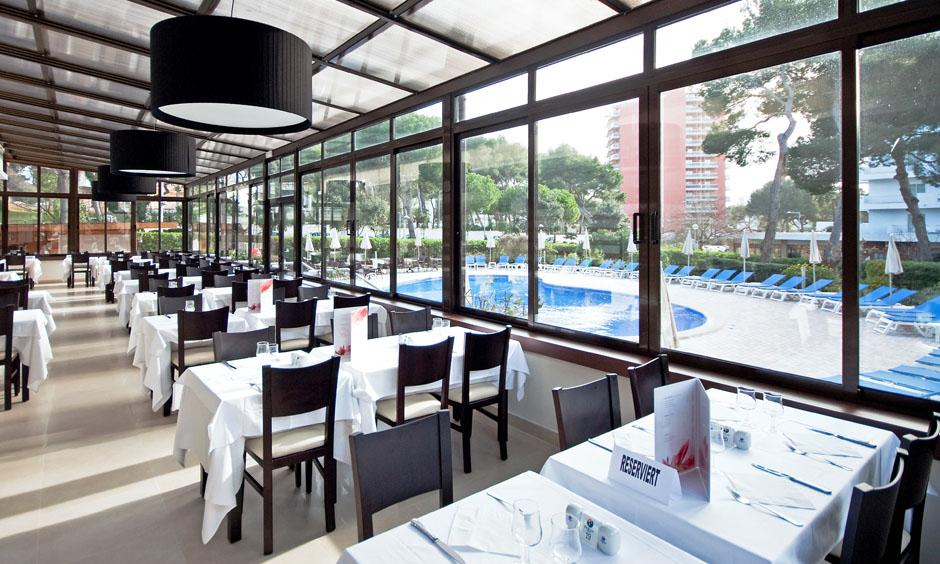 EN Pabisa Hotel Mallorca Restaurant Chico