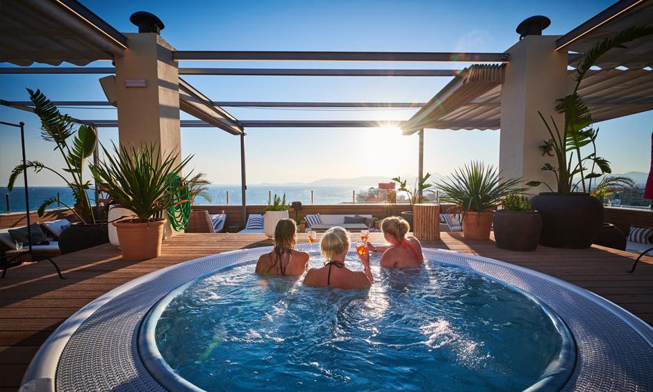 Amrum Sky Bar Pabisa Mallorca rooftop pool