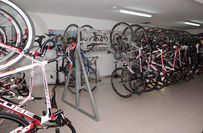 F Pabisa Hotel cycling holiday