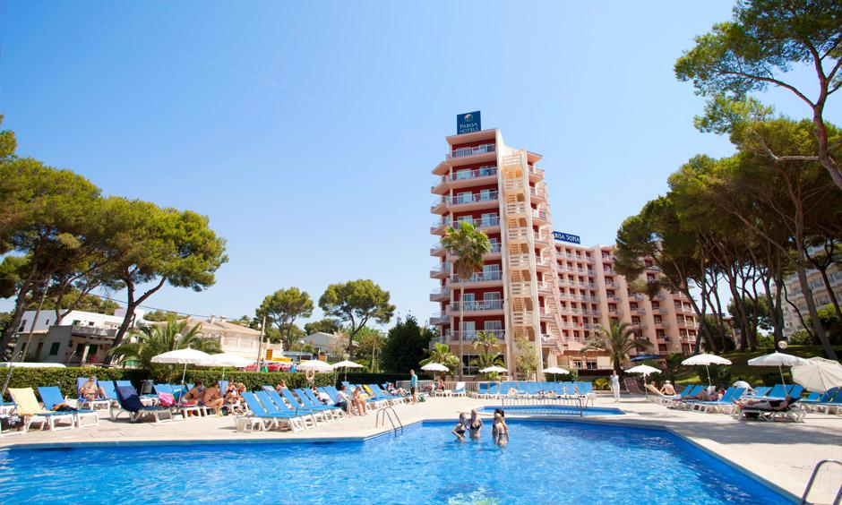 DE Pabisa Sofia Hotel Pool Schwimmbad