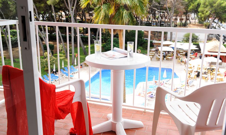 DE Pabisa Sofia Mallorca Hotel Arenal Terrasse